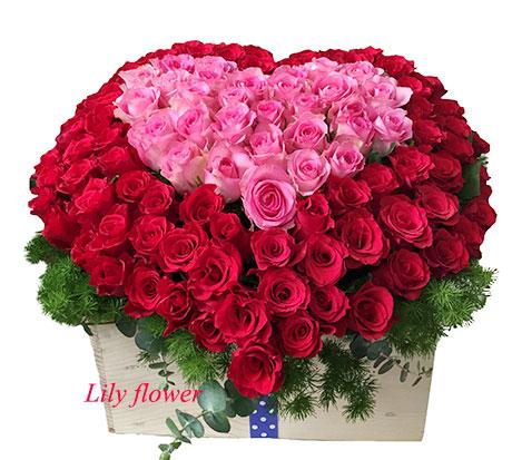 Giỏ hoa trái tim