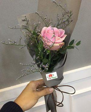 Hoa tình yêu bó hoa hồng nhỏ nhắn xinh xắn trông rất đáng yêu