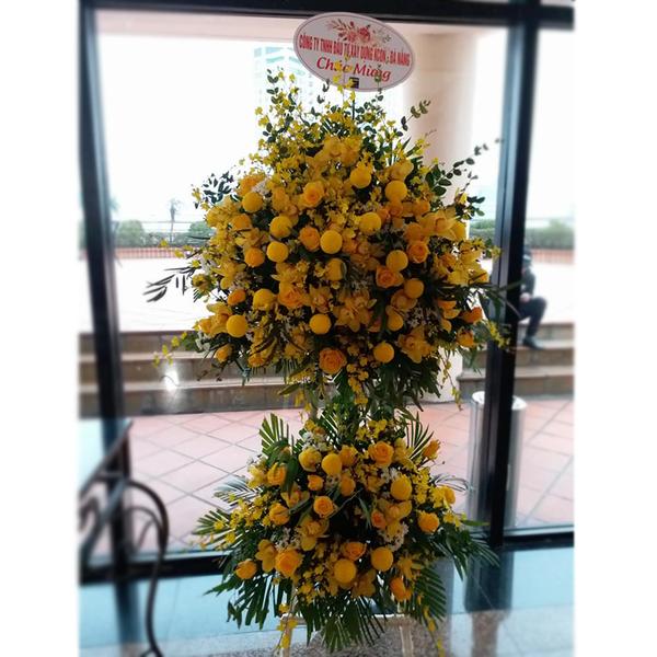 Hoa khai trương nắng vàng rực rỡ với màu chủ đạo là màu vàng của nắng như sự thịnh vượng