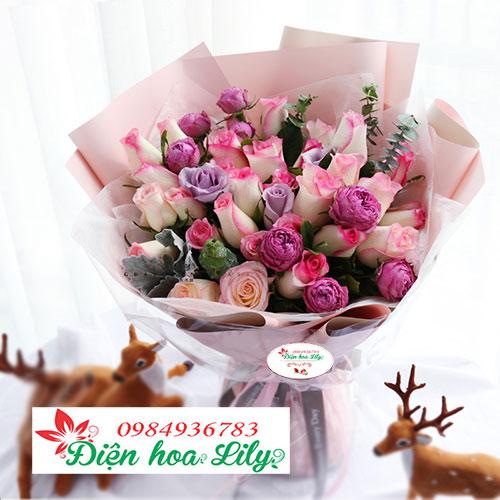 Hoa tình yêu hoa hồng phớt tượng trưng cho một tình yêu mới chớm nở vẫn còn thẹn thùng, e ấp