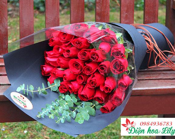 Hoa tình yêu - hoa hồng đỏ biểu tượng cho tình yêu mãnh liệt
